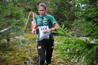 Matilda Smeds, orienterarlöfte från Komossa – och småkusin till syskonen Strandvall och KAJ-Kevin. (Foto: Niklas Enlund)