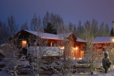 Stundars museiby och kulturcentrum är ett av Österbottens populäraste besöksmål, såväl sommar som vinter. (Foto: Eivor Höstman)